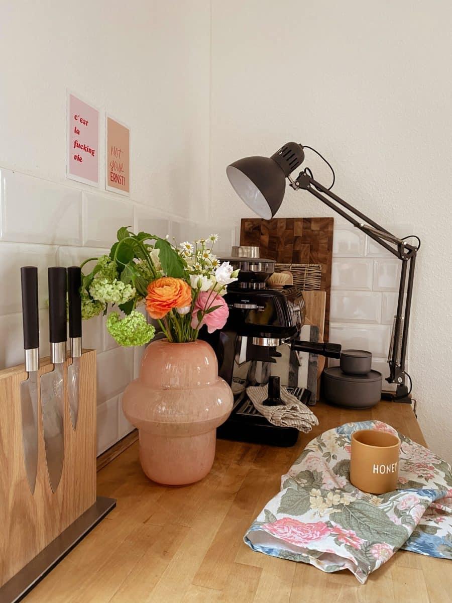 Blumen in der Küche