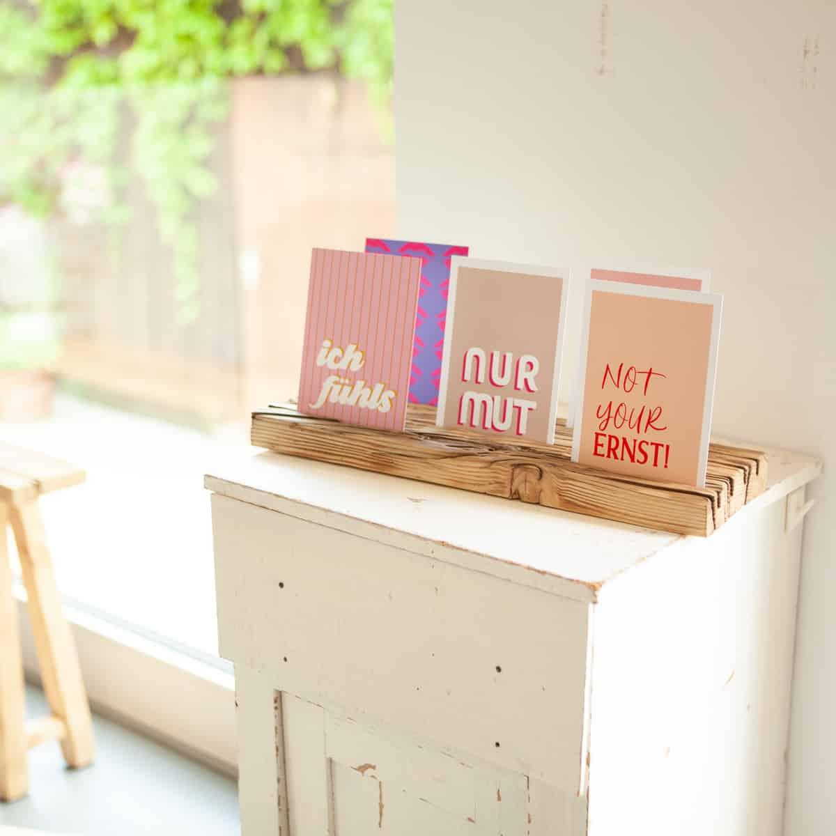Postkartenständer